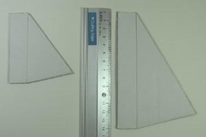 ダンボールで2サイズ分の支えを作る